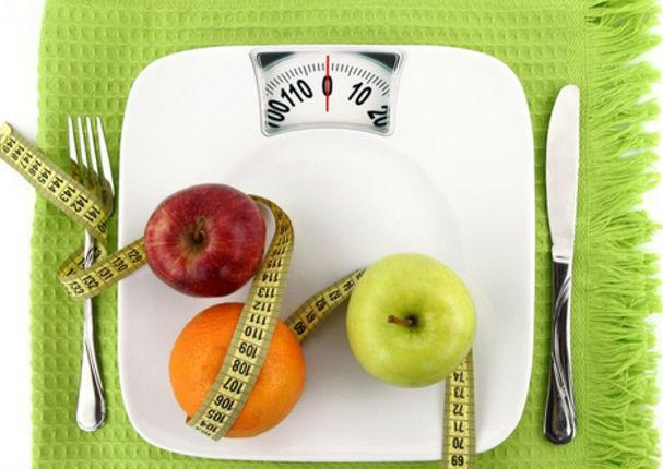 Estas son las 5 frutas que te ayudarán a bajar de peso