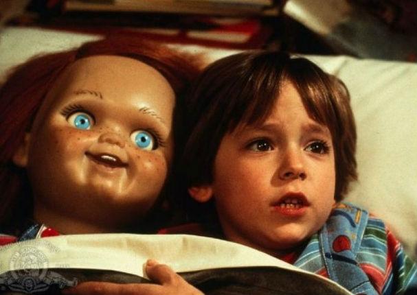 ¿Recuerdas al niño de la película 'Chucky'? Mira cómo luce a sus 36 años (FOTOS)