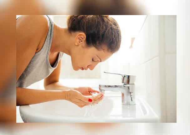 Belleza: Este es el verdadero motivo por el que debes lavarte el rostro a diario