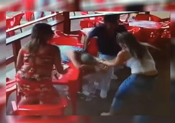 Youtube Viral: Mujer encuentra a su esposo con otra y se arma tremenda pelea (VIDEO)