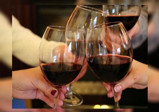 Dieta: Baja hasta 6 kilos con dos copas diarias de vino
