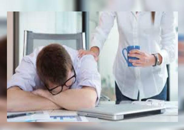 ¿Duermes poco por el trabajo? Compénsalo haciendo esto