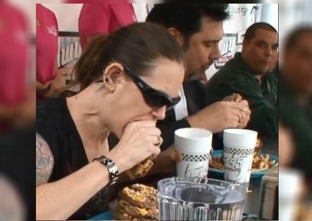 Viral: Mujer gana concurso de 'Comelones' en menos de 2 minutos y asombra a todos