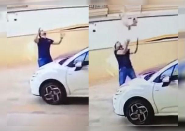 Facebook Viral: Mascota cae de noveno piso y hombre evita trágico final (VIDEO)