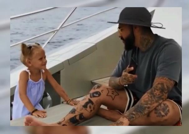 Facebook: Su padre no le hacía caso y ella se vengó de la peor manera (VIDEO)