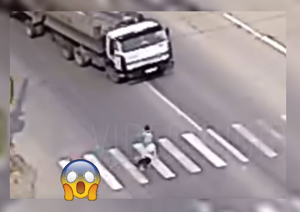 Viral: Perro salva a su dueña de terrible accidente (VIDEO)