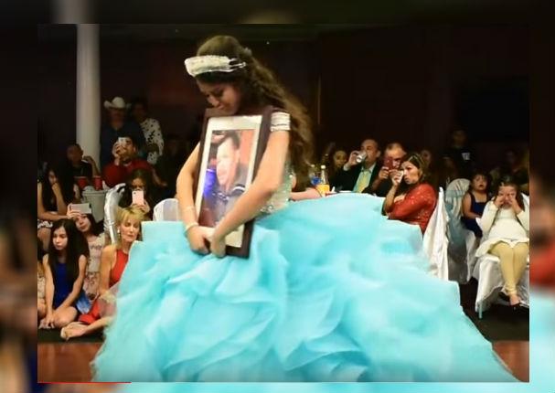 Quinceañera bailó con su fallecido padre y el momento se volvió viral (VIDEO)