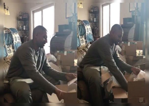 Padre recibe de regalo un peluche con la grabación de la voz de su madre fallecida (VIDEO)