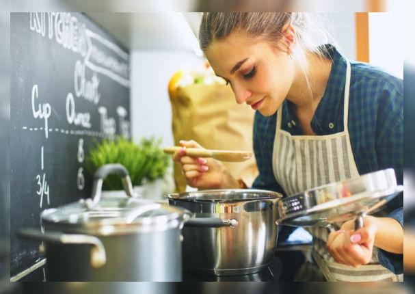 Estas son las cinco comidas que te hacen subir 2000 calorías al día