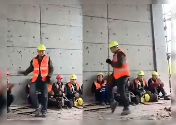 Hombre se vuelve viral al ser captado bailando como Michael Jackson durante su hora de trabajo (VIDEO)