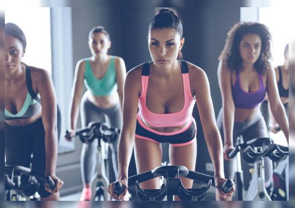 Beneficios de practicar spinning una hora al día