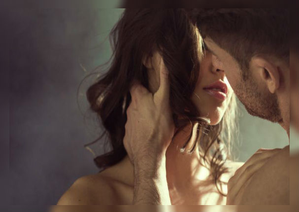 ¿Cómo mantener encendida la llama de la pasión durante la intimidad?