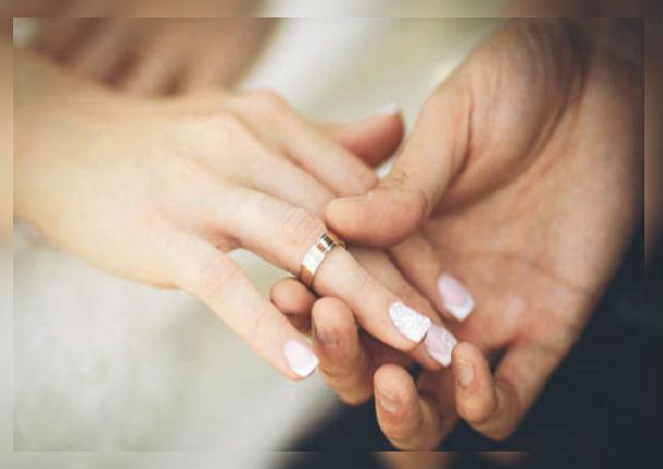 Revelan la importancia que tiene el llevar un anillo antes de casarte