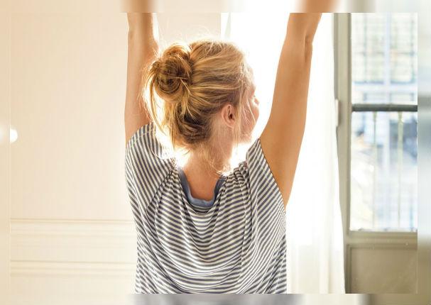 Alivia el dolor de espalda con estos relajantes estiramientos