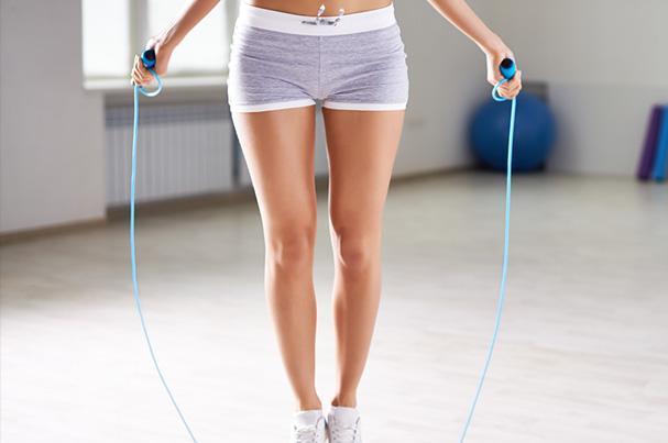 Beneficios para el cuerpo que trae el saltar la soga a diario