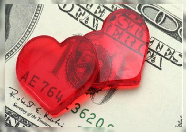 Señales para saber si tu pareja te ama a ti y no a tu dinero
