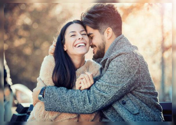 Estudios revelan que el burlarte de tu pareja trae beneficios a tu relación