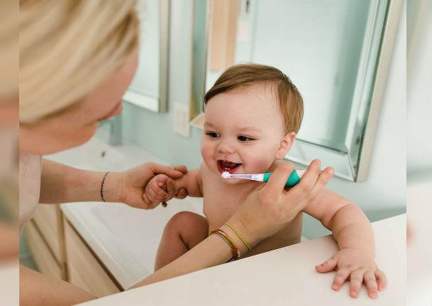 Aprende a cuidar la higiene bucal de tu bebé (VIDEO)