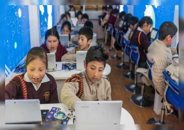 Bus recorrerá la capital impartiendo educación digital a los colegios
