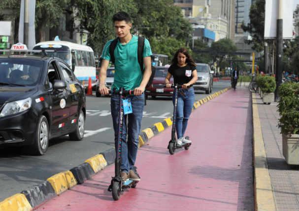 Conoce las nuevas normas para las personas que usan scooters eléctricos por estos lugares de Lima