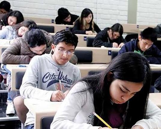Municipalidad de Lima inicia programa de becas para jóvenes y adultos