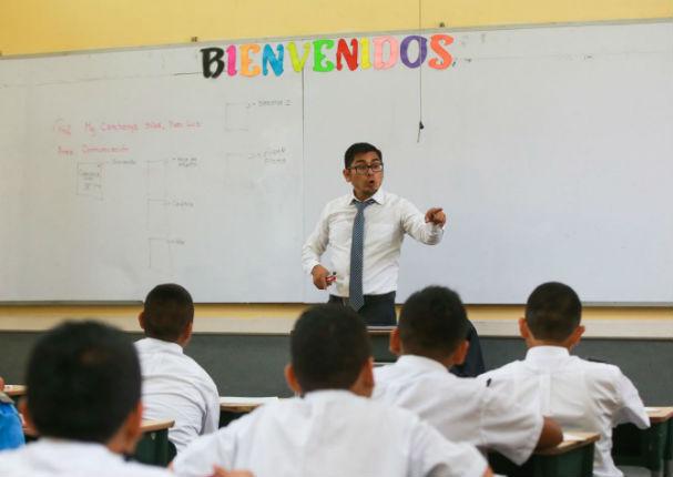 Sueldo de maestros subirá considerablemente desde finales de marzo