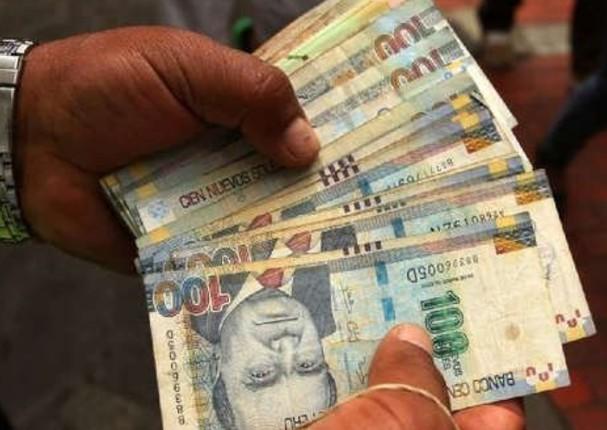 Ministra de Economía aseguró que no se aumentará el sueldo mínimo en el 2020