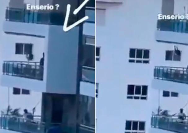 Padre diseña increíble columpio para su hija en un balcón en un sexto piso