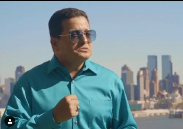 Viti Ruiz anuncia el videoclip de 'Caricias prohibidas' tras largos años de espera