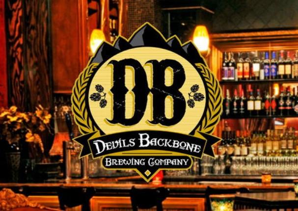 Empresa busca persona que desee beber cerveza y caminar por un sendero