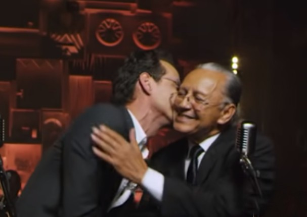 Marc Anthony supera el medio millón de reproducciones en video junto a su padre