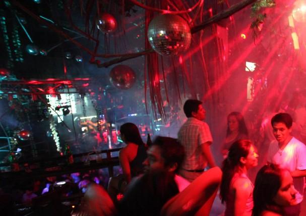 Cámara Nacional de Turismo asegura que bares y discotecas reabrirán en agosto