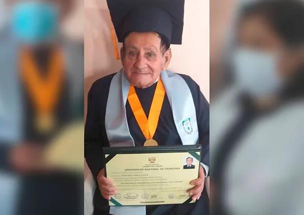 A sus 72 años de edad, logra terminar su carrera universitaria