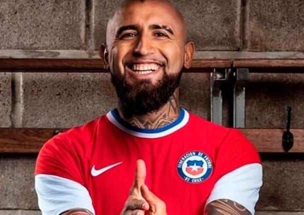 Chile cambia tradicional camiseta roja por una blanquirroja