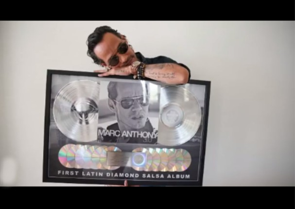 Marc Anthony recibe su primer 'Disco de Diamante'