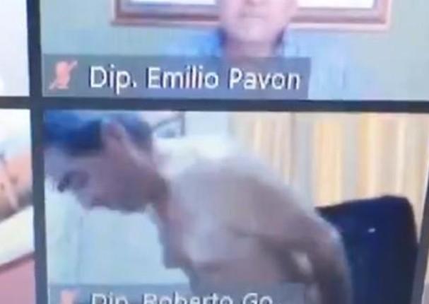 Congresista paraguayo aparece desnudo en sesión de Pleno