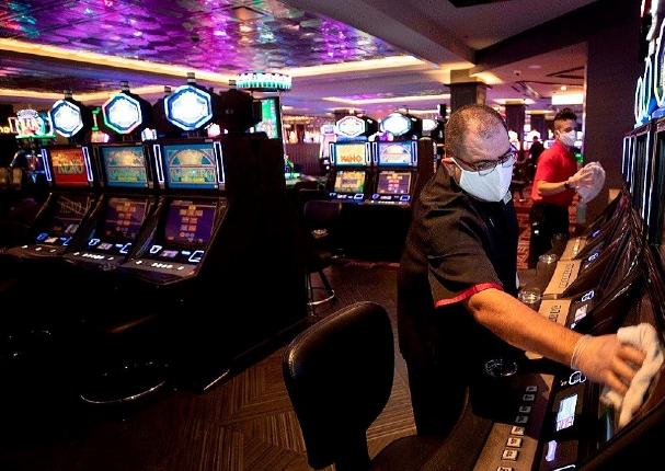 Gobierno permitirá reapertura de casinos, teatros, cines y gimnasios con aforo del 40%