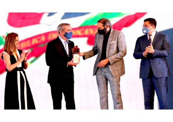 Juan Luis Guerra es elegido Embajador de Marca País de República Dominicana