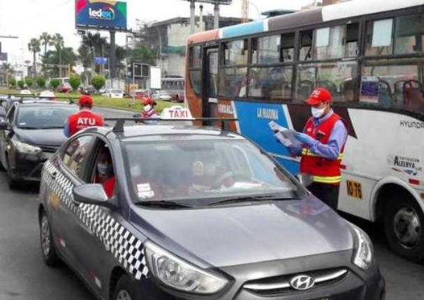Taxis podrán transportar hasta 3 pasajeros desde hoy miércoles