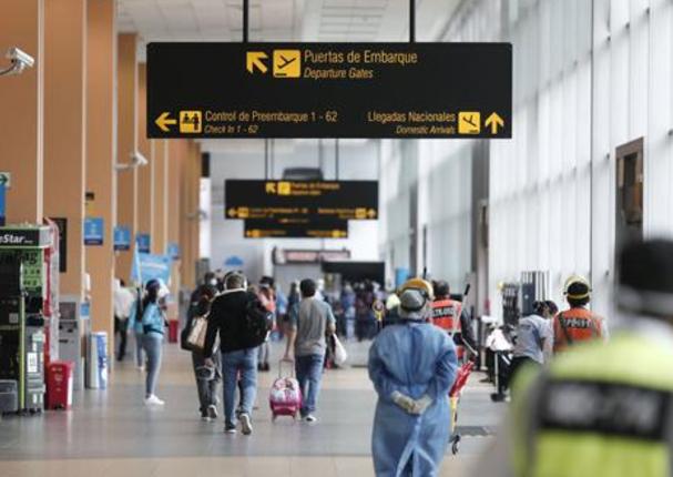 Se suspende vuelos provenientes de Europa o Sudáfrica