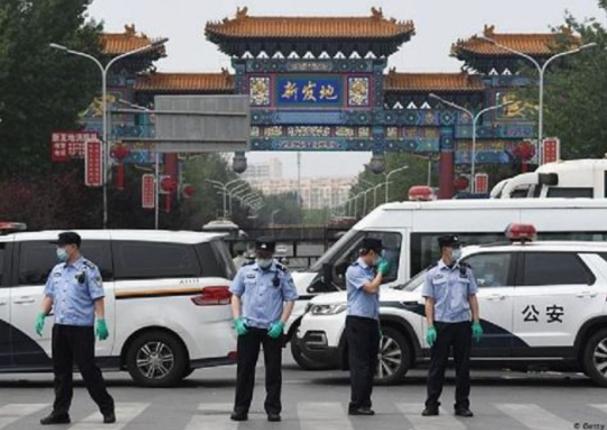 China desmantela una red de vacunas falsas contra el coronavirus