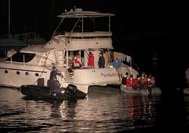 Ancón: Intervienen fiesta en yate y joven intentó escapar nadando | VIDEO