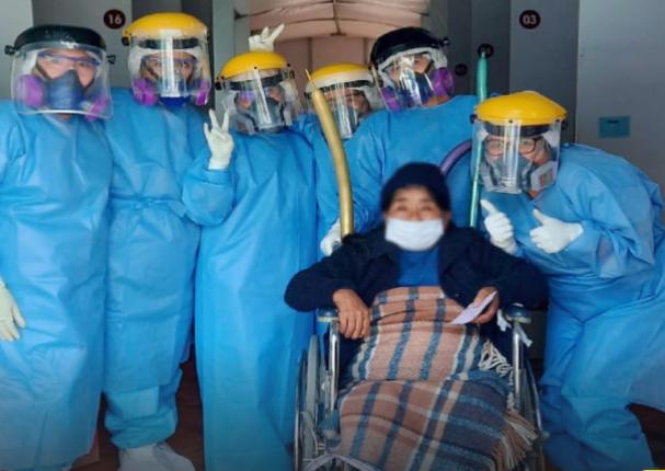 Tacna: Mujer de 72 años venció la Covid-19 en hospital Hipólito Unanue