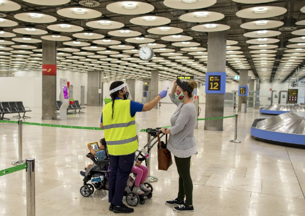 España impone cuarentena a viajeros que vengan de Perú
