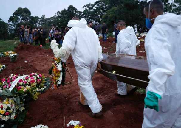Brasil: Una persona muere cada 50 segundos a causa de la Covid-19