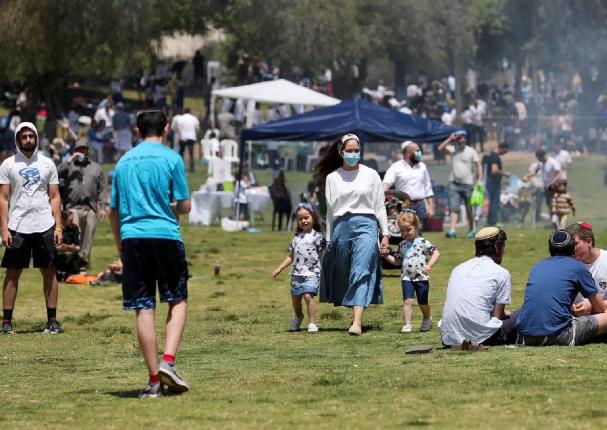 Covid-19: Israel pone fin al uso de mascarilla al aire libre