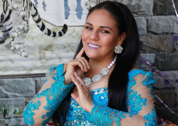 """Dina Páucar anunció que su disco """"Mi Tesoro"""" se encuentra disponible en Spotify"""