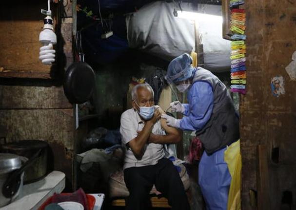 Minsa: Adultos mayores de 70 a 79 años serán vacunados contra la Covid-19