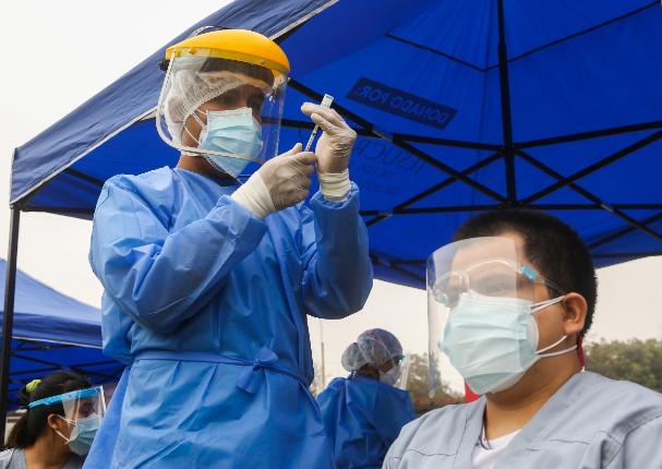 Gobierno del Perú confirmó la llegada de medio millón de vacunas de Sinopharm