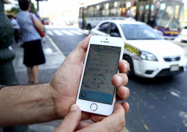 Comisión del Congreso aprueba ley de seguro obligatorio al servicio de taxi por app